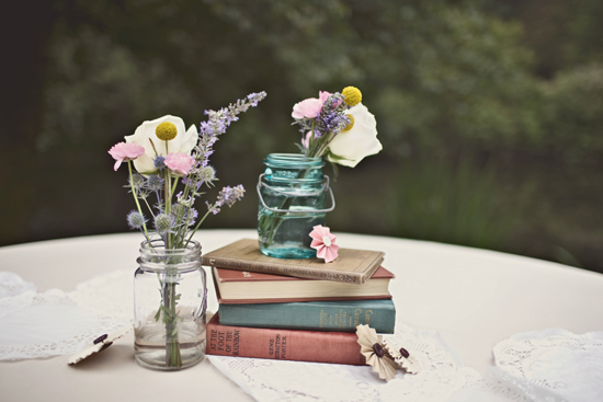 book-centerpieces